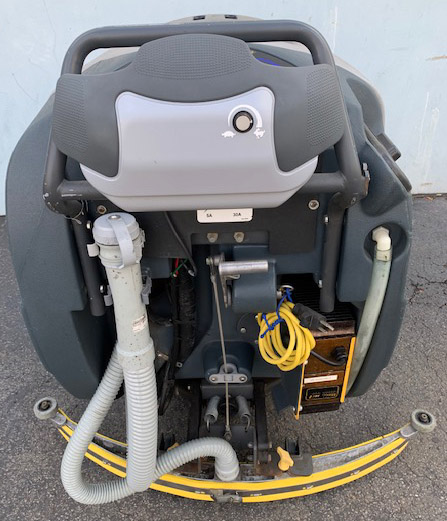 Used Tennant 5680, gym floor scrubber